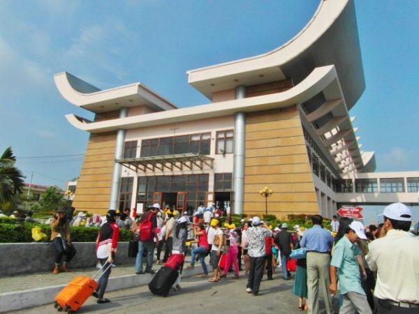 Cửa khẩu Mộc Bài được nhiều người lựa chọn xin lại visa